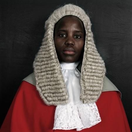 Pieter Hugo, Judges, Botswana, 2005.Vía http://www.stevenson.info/exhibitions/hugo/judges3.htm